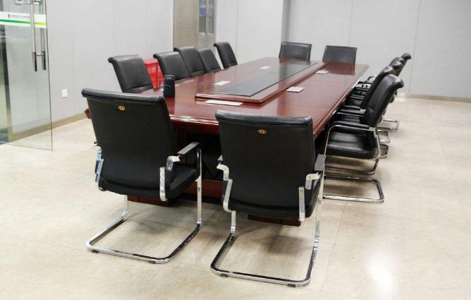 办公桌椅选购重点在哪里?建材